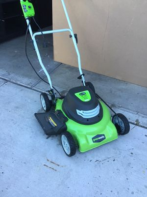 """Green works 18"""" 12 AMP electric corded lawn mower like new excellent condition open box for Sale in Las Vegas, NV"""
