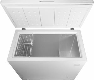 Insignia chest freezer 10.2 cubic feet for Sale in Portland, OR