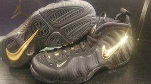 Nike foamposite pro gold size 8 for Sale in San Jose, CA