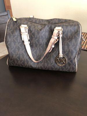 Authentic Michael Kors (large bag) for Sale in Las Vegas, NV