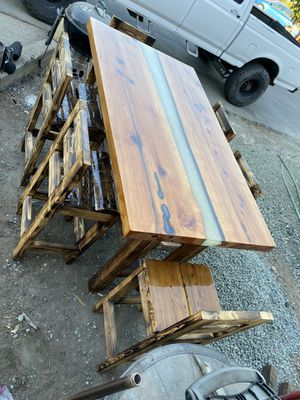 Bar top table ceder 3-1/2 wide 6 feet long 6 chairs 3 inch slabs with glowing River in middle for Sale in Pleasant Hill, CA