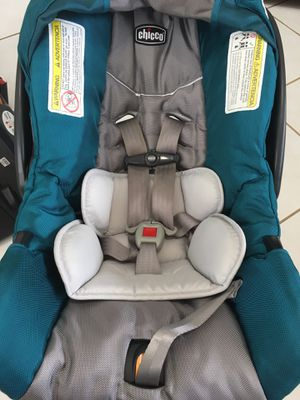 Car seat with base for Sale in Miami, FL