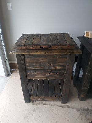 Custome Wood Ice Chest for Sale in El Paso, TX
