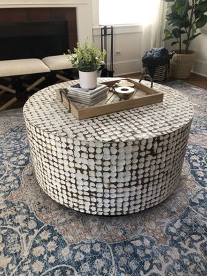 Coffee table 19hx37wx37l for Sale in Willowbrook, IL