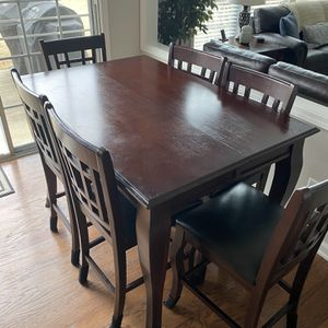 Kitchen Table And 8 Chairs Counter Height for Sale in Woodstock, GA