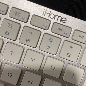 iHome Keyboard for Sale in Vancouver, WA