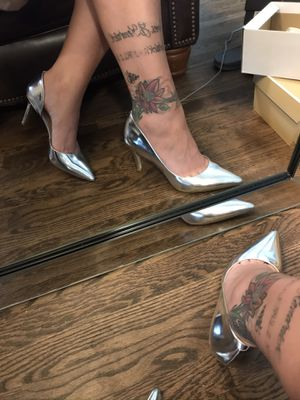 Silver heels miss Albright size 9 for Sale in Elmhurst, IL