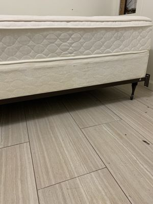 Twin bed with frame, box spring and mattress for Sale in Laurel, MD