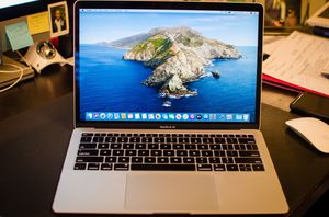 """2018 13.3"""" MacBook Air 1.6GHz 512GB SSD 16GB RAM Catalina APPLECARE for Sale in Oregon City, OR"""