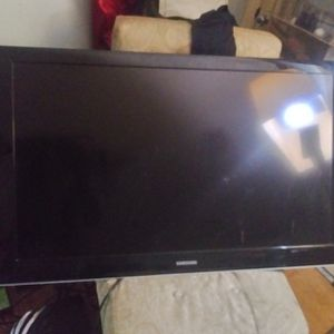 40 In. Samsung High Definition Tv. NO Remote for Sale in West Columbia, SC