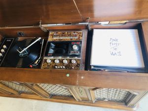 Vintage mid century record player (works great!) for Sale in Anchorage, AK