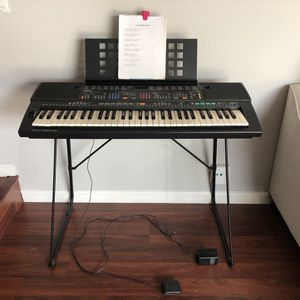 Yamaha Keyboard with Stand for Sale in San Jose, CA