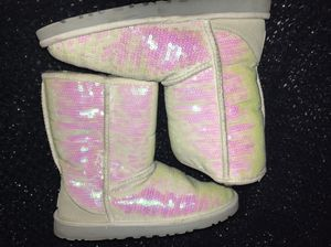White sequence UGGS for Sale in Dallas, TX
