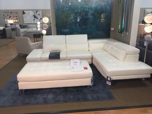 White leather sectional for Sale in Detroit, MI