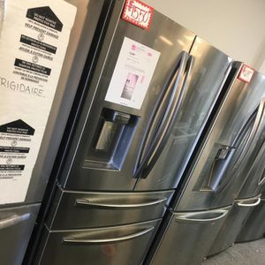 NEW SCRATCH AND DENT SAMSUNG STAINLESS STEEL 4-DOORS FRIDGE WITH WARRANTY for Sale in Laurel, MD