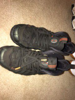 Foamposite sz 10.5 Reebok sz10.5 for Sale in Old Bridge Township, NJ
