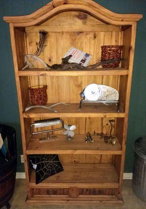 Bookcase/hutch for Sale in Moncks Corner, SC