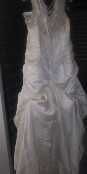 Wedding dress and corvette size 22 for Sale in Garner, NC