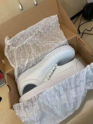 BRAND NEW NEVER USED ALL WHITE OLD SKOOL VANS SIZE 10 for Sale in Union City, CA
