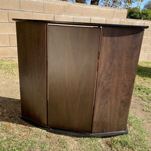 26 Gallon Bow Front Aquarium Stand for Sale in Whittier, CA
