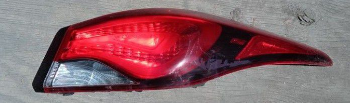 2014 Hyundai Elantra Passenger Side Tail Lamp LED for Sale in South Gate, CA