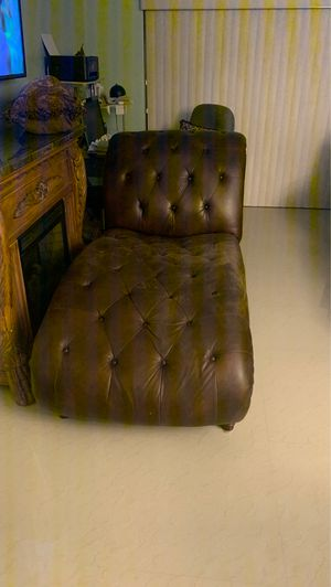Leather coach and table for Sale in Lauderhill, FL