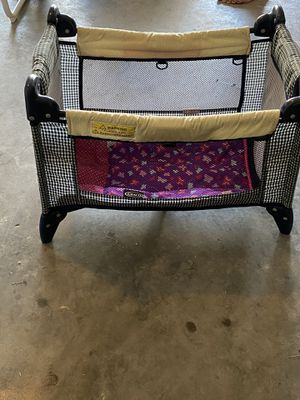 Baby crib for dolls for Sale in Davenport, FL