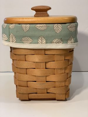 Cute squared longaberger tall basket sage green liner, protector & lid for Sale in Snohomish, WA