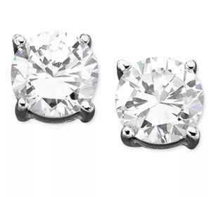 9mm Diamond Stud Earrings for Sale in Lake Alfred, FL