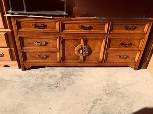 DRESSER WITH MANY DRAWERS for Sale in El Paso, TX