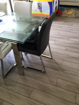 2 gray dining chairs for Sale in Miami, FL