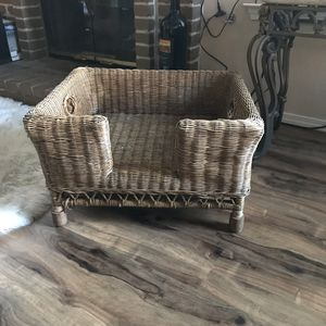 Antique wicker pet bed for Sale in Santa Maria, CA