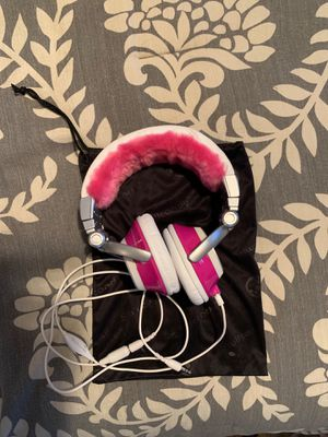 SKULLCANDY headphones for Sale in Everett, WA