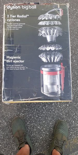 Dyson bigball vacuum for Sale in Baldwin Park, CA