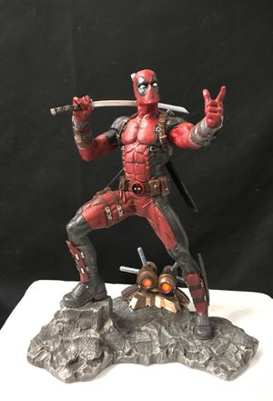 Premier Collection DEADPOOL Resin Statue. for Sale in La Mirada, CA
