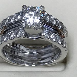 Diamond Engagement Ring 2 carat for Sale in Sterling Heights, MI
