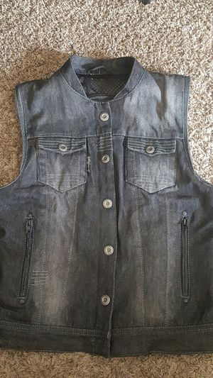 Speed and strengh motorcycle vest.....size M for Sale in Chino, CA