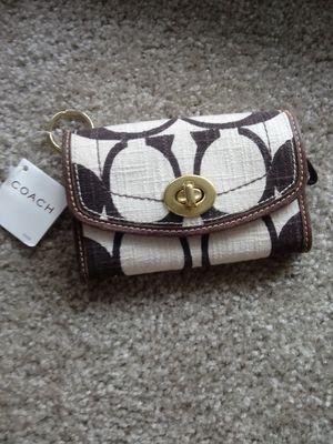 Cute Coach wallet for Sale in Wilsonville, OR