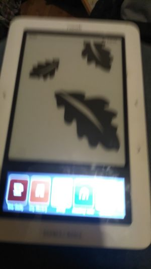 BARNES AND NOBLE NOOK E-READER 16GB WIFI WITH E INK TECH plus CASE for Sale in New York, NY