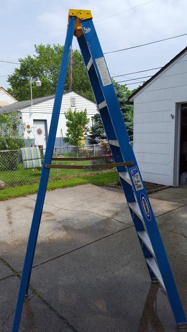 8 ft Werner fiberglass ladder