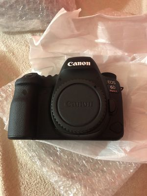 Brand new canon Mark II EOS 6D camera body only (without lense) CASH ONLY ! for Sale in Jersey City, NJ