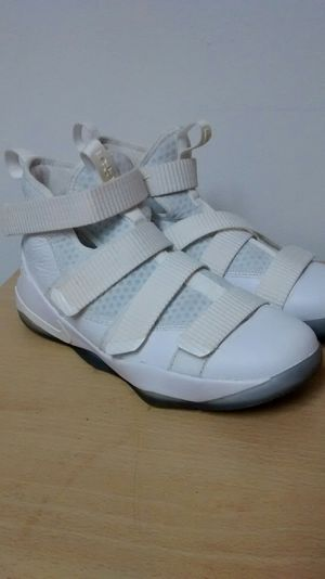 Nike Zoom Shoes size 7,5 Y for Sale in Miramar, FL