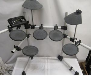 UsedYamahaDTX500 Electric Drum Set for Sale in Dearborn, MI
