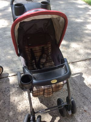 EDDIE BAUER STROLLER AND RADIO FLYER WITH HOOD FOR SALE for Sale in Lakeland, FL