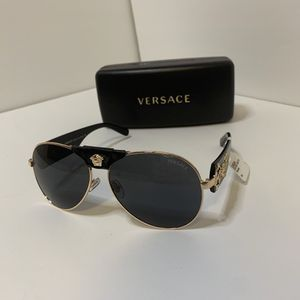 New Versace Sunglasses VE2150 for Sale in Hershey, PA