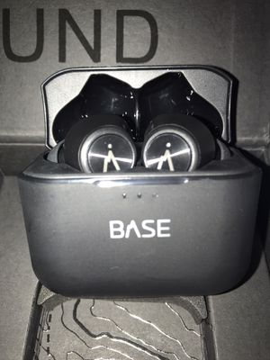 Baseline Bluetooth Headphones for Sale in Tennerton, WV