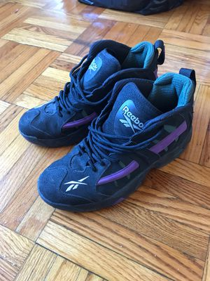 Size 8.5 men's Reebok Rail for Sale in The Bronx, NY