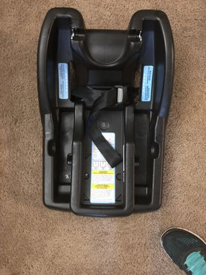Graco click and connect base for Sale in Fresno, CA