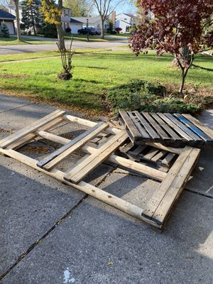 FREE pallets for Sale in Amherst, NY