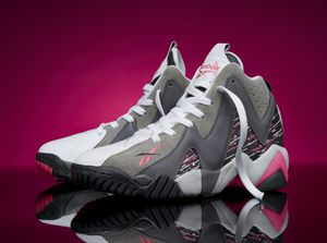 REEBOK KAMIKAZE II MID BREAST CANCER SIZE 11 for Sale in Baltimore, MD